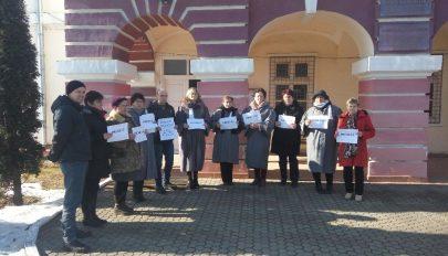 Tiltakoznak a jegyzők