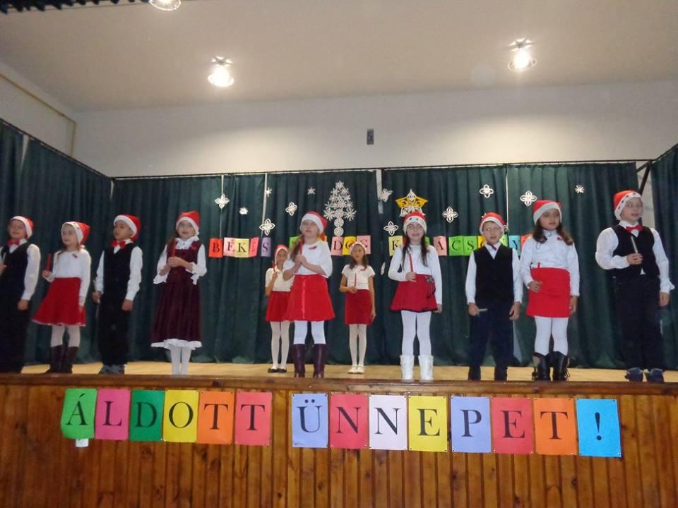 Iskolák karácsonyi ünnepe