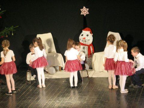 Kovásznai táncos év vége