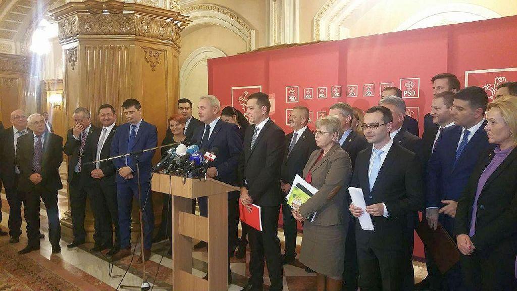 A Grindeanu-kormány marad