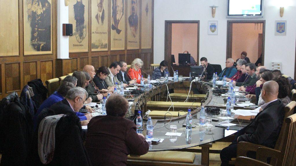 A polgármester hiányában szavazták meg az idei büdzsét a tanácsosok