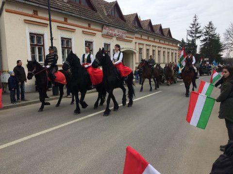 Méltóságteljes ünnep Kovásznán