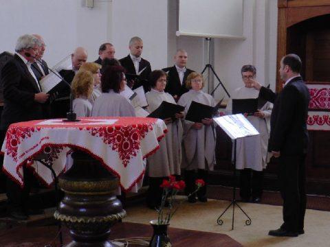 Egyháziak és világiak