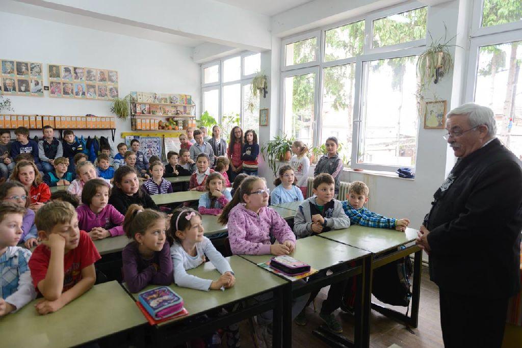 A püspököt és küldöttségét vallásórára is behívták Fotó: Kiss Gábor