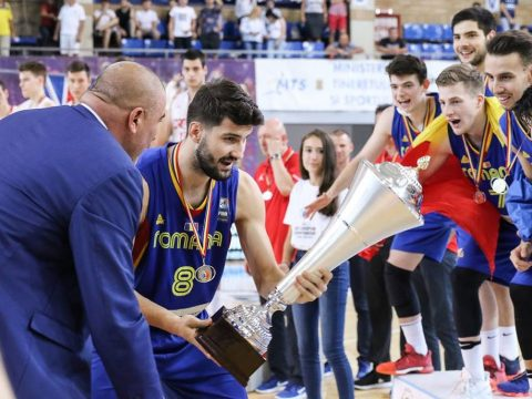 Eb-t nyert Románia