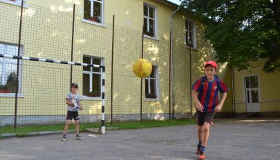 Lelakatolt iskolakapuk