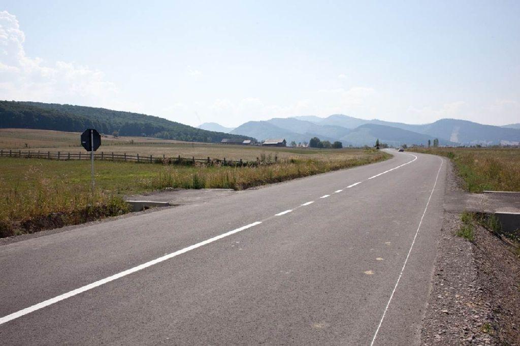 Kovászna megye korábban a Kovászna és Kézdivásárhely közötti, 121-es megyei utat korszerűsítette