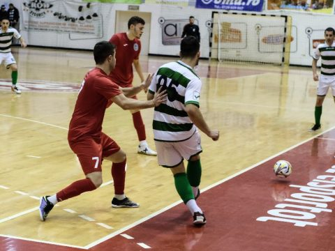 Egy csapattal az I. ligában
