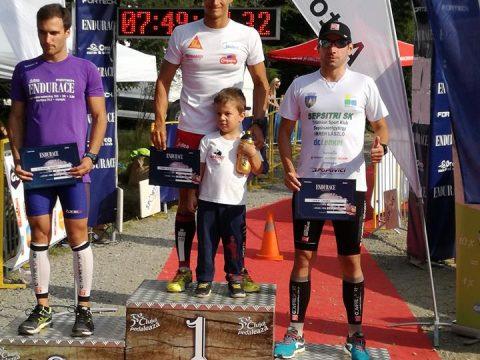 Újra dobogón a triatlonista