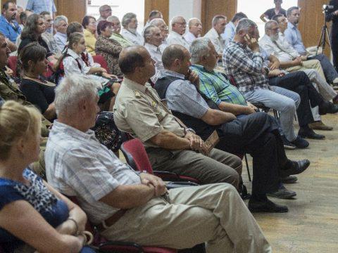 Konferencia a falunapon