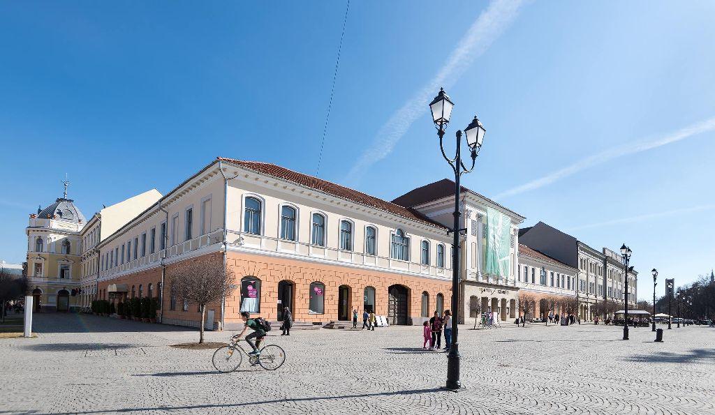 A főtér kialakításával korántsem zárult le a városmag rendezését Fotó: Vargyasi Levente