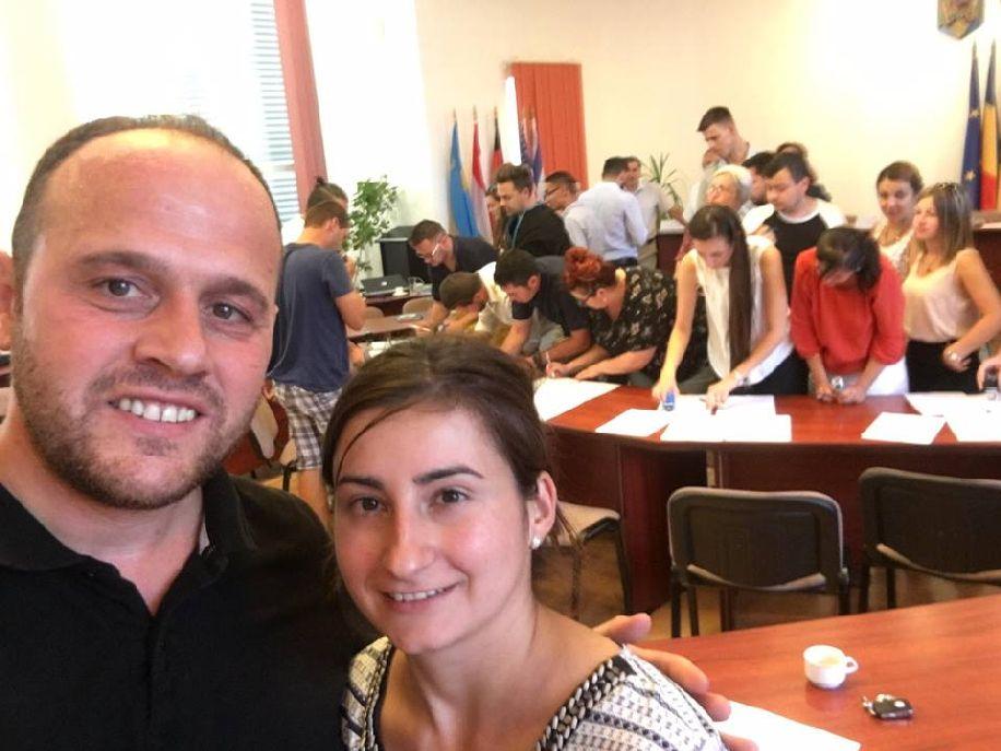 Közös selfie az alakuló ülésen. Grüman Róbert és Kristó Kinga Fotó: Facebook