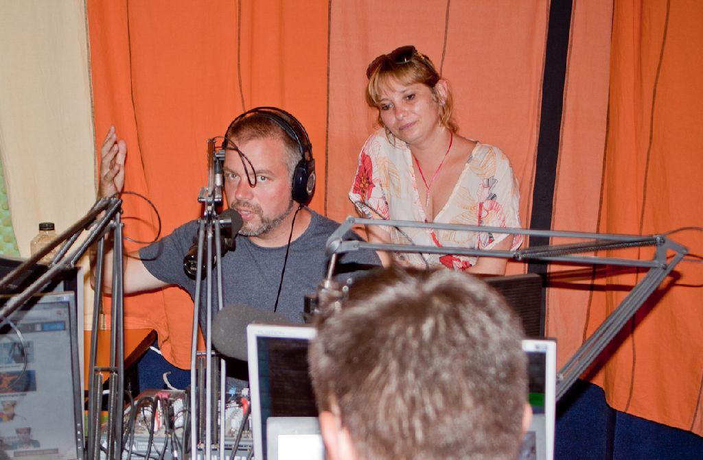 A Friss Fm rádió csapata mindig velünk együtt izgulja végig az élő adásban történő sorsolást