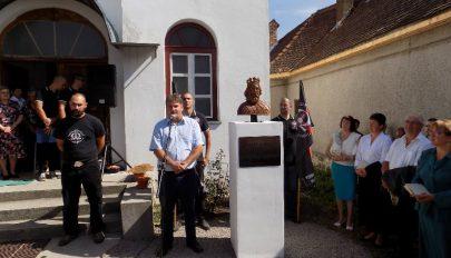 Szent László-szobrot avattak