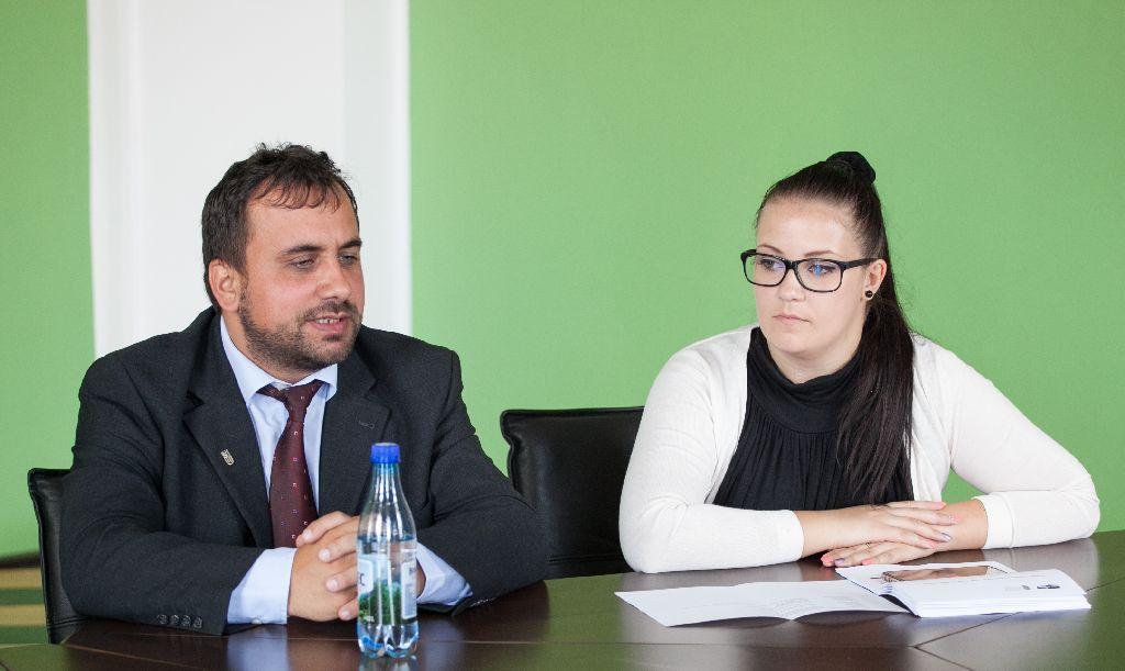 Dr. Pap Levente dékánhelyettes és Csíki Adél: Szentgyörgyre is elhozták