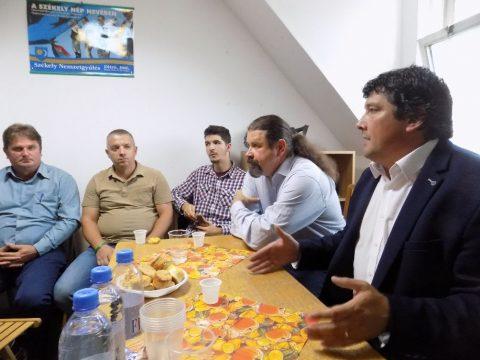 Képviselői iroda nyílt Baróton