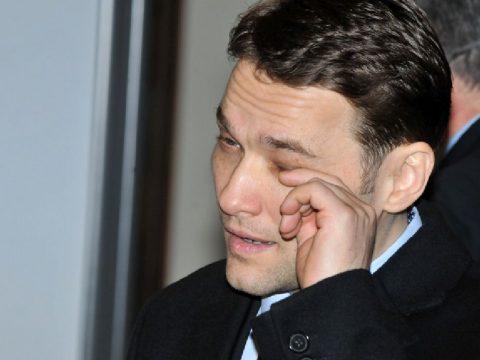 Három év börtön Șovának