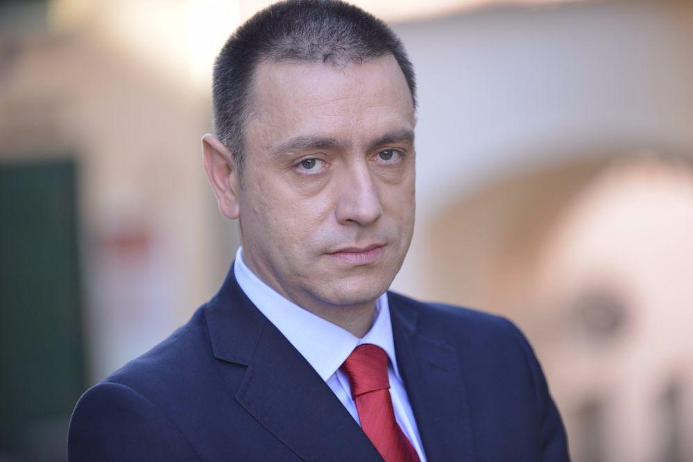 Mihai Fifor a védelmi miniszter
