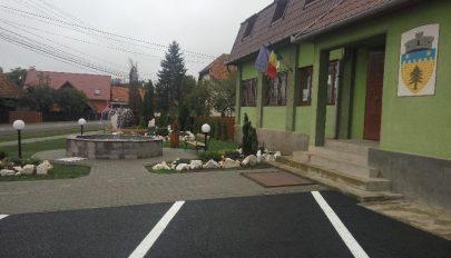 Zöldövezet a kultúrház előtt