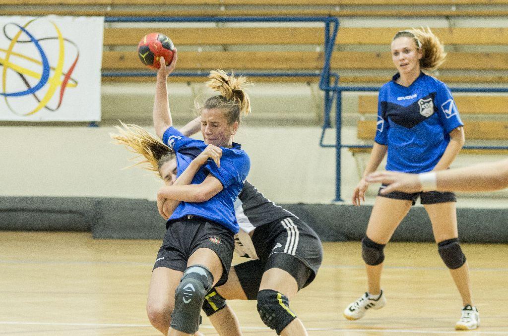 Nem a gyengék sportja a kézilabda Fotó: Tofán Levente