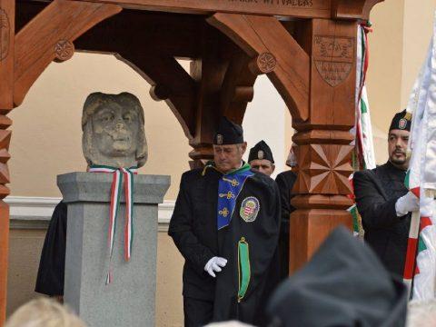 Az Árpád-szobor hazatért