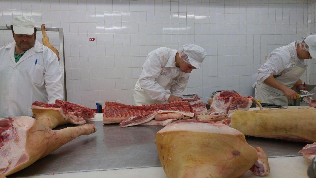 Húsfeldolgozókat képeznek