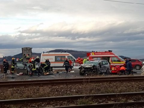 Négy halott, négy sebesült