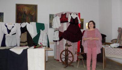 Csog Jolán kiállítása Baróton