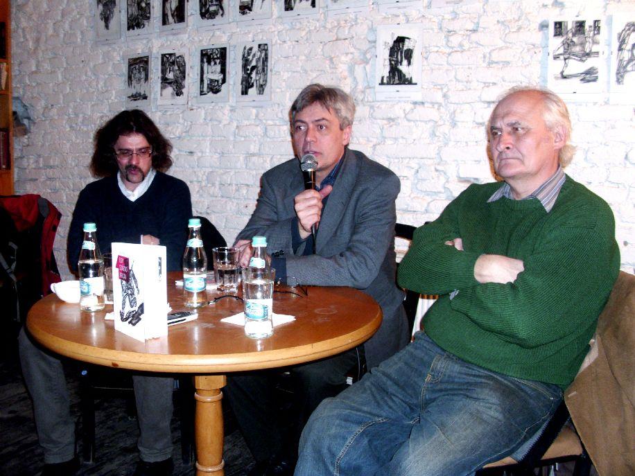 Balról jobbra: Szonda Szabolcs, Benő Attila és Székely Géza a sepsiszentgyörgyi könyvbemutatón.