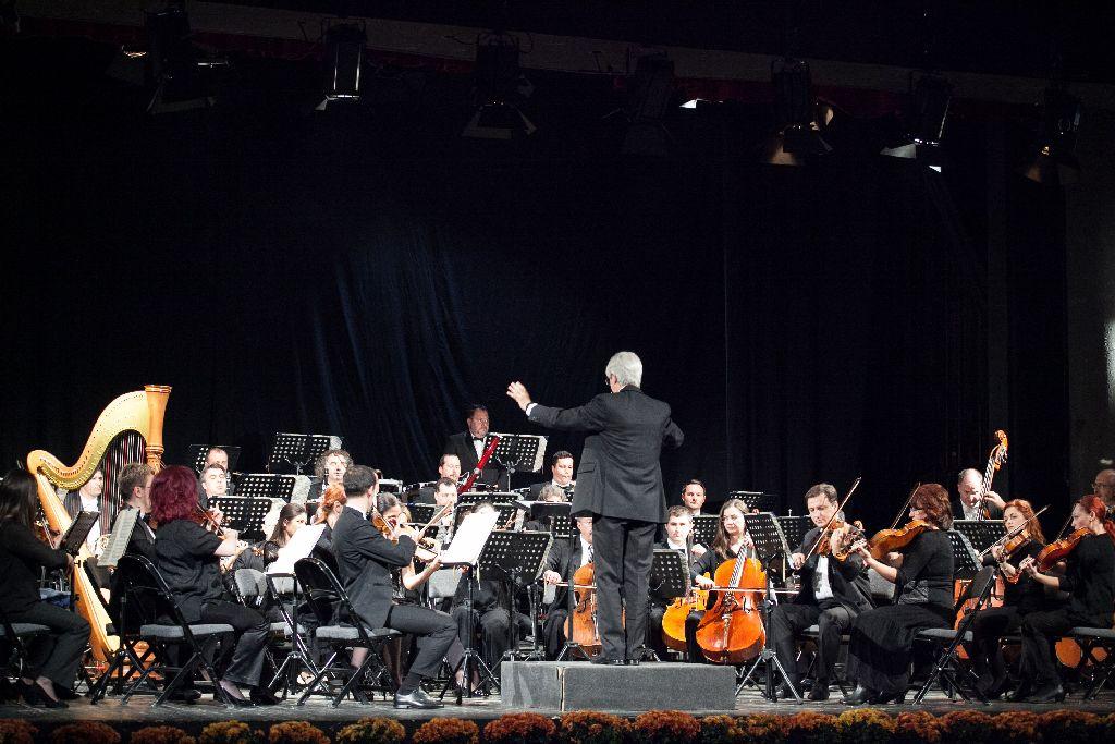 Az ünnepi koncertre a hangversenyévad keretében kerül sor