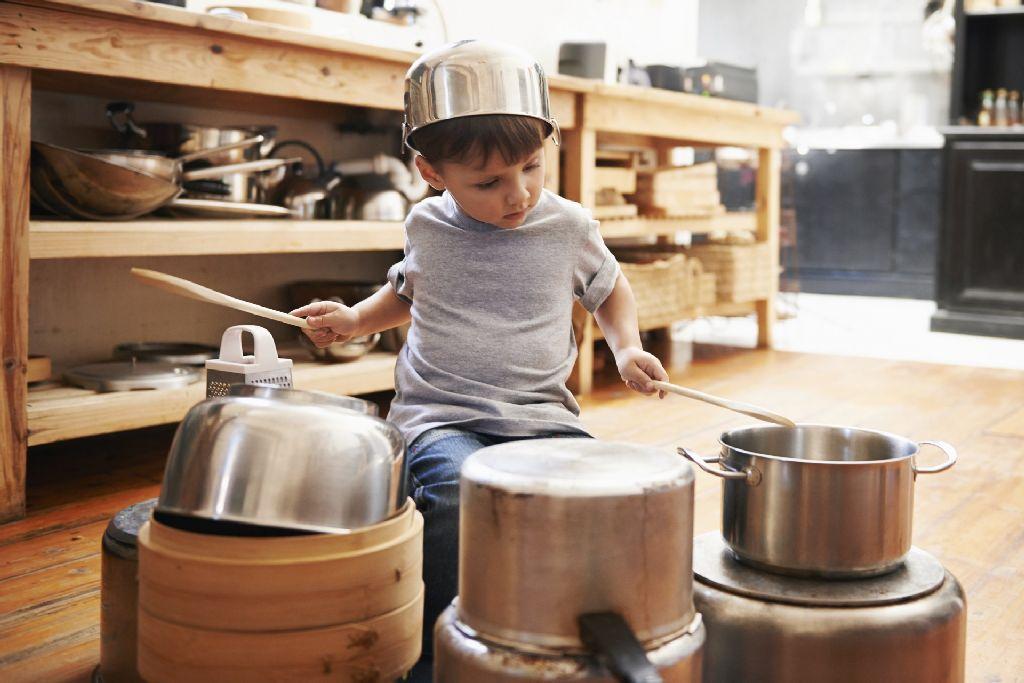 Ha a gyerek tehetséges, engedjék zenélni! Igaz, ennek nem mindig örülnek a szomszédok