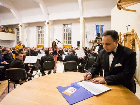 Az egységes magyar nemzetért