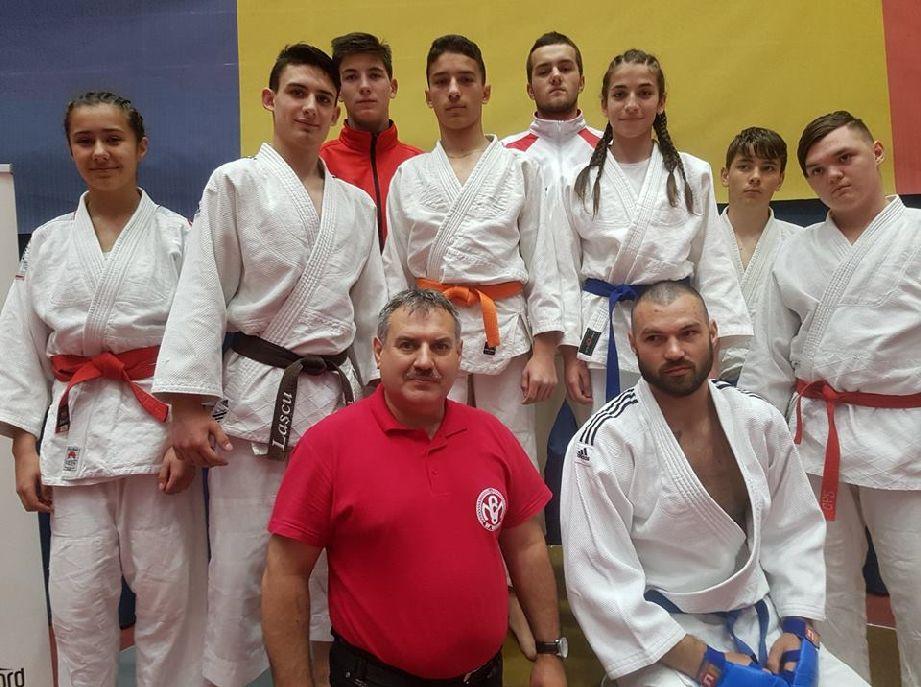 Az MSK csapata az országoson