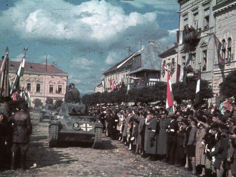 Kis magyar világ