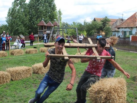 A borvíz ünnepe Hatolykán