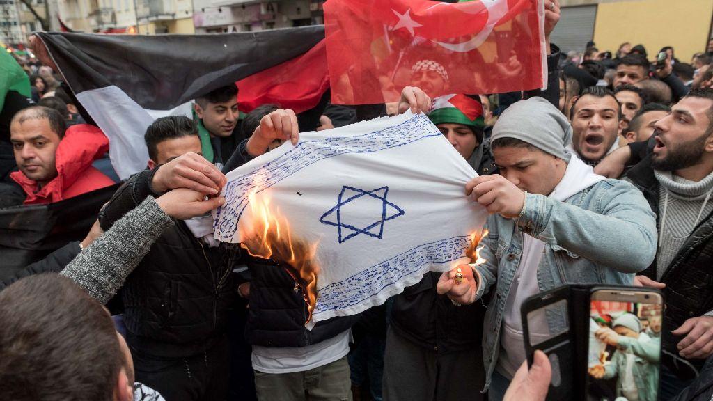Vigyázni a zsidózással