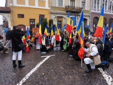 Románok tüntetnének