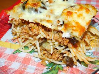 Rakott spagetti padlizsánnal