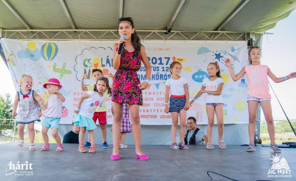 Tavaly a sepsiszentgyörgyi Zöldi Lara koncertjén szórakozhattak a gyerekek