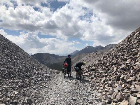 Még száz kilométer a célig