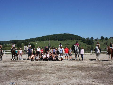 Kezdődik a lovastábor