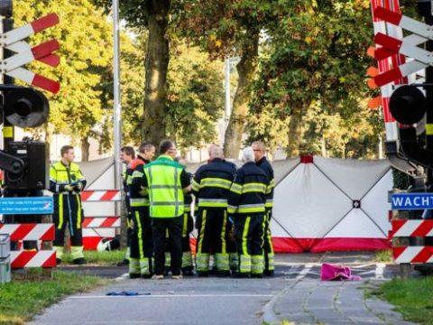 Négy gyerek halt meg egy hollandiai vonatgázolásban