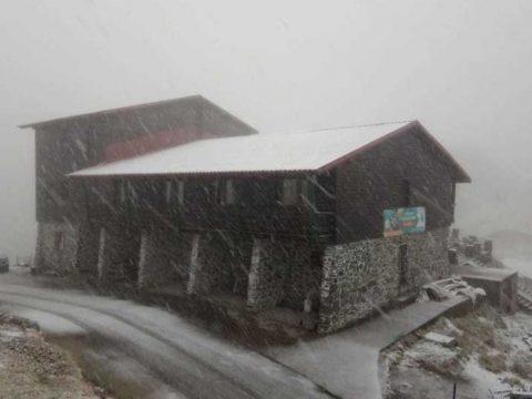 Lehullott az első hó a hegyekben