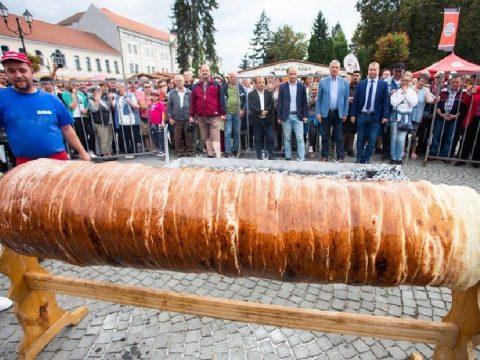 Növöget a kürtőskalács fesztivál