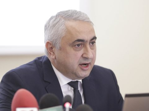 Valentin Popa: Veszélyben van a román nyelv a kisebbségi oktatásban