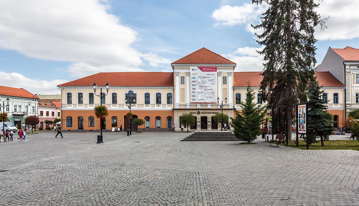 Nyári előadássorozatot indít a Tamási Áron Színház