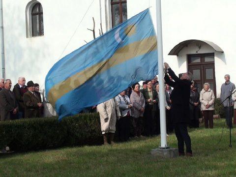 Zászlóavatás és hálaadó nap