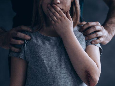 Részletek derültek ki a Cegléden megerőszakolt erdélyi kislány ügyéről