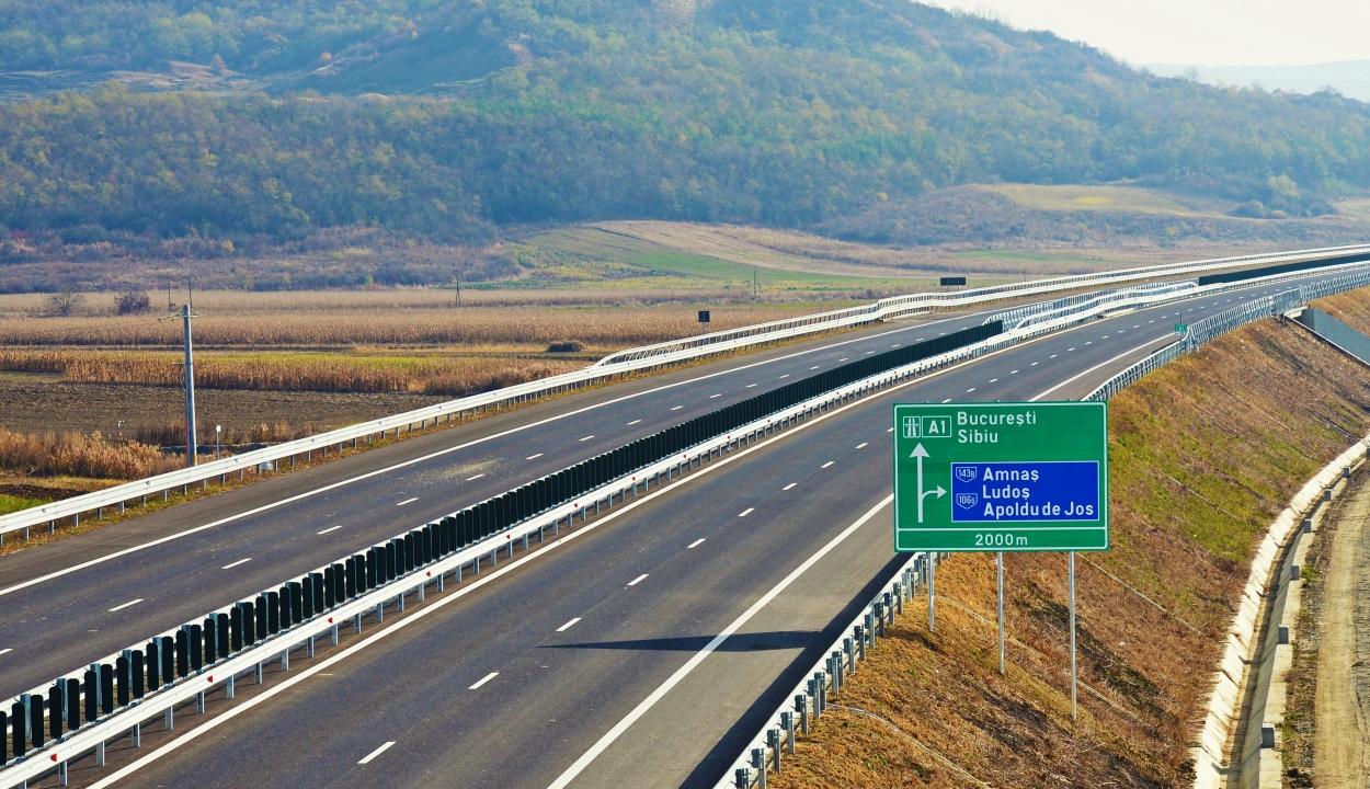 Három autópálya megépítésére vonatkozó törvényjavaslatot fogadott el a szenátus