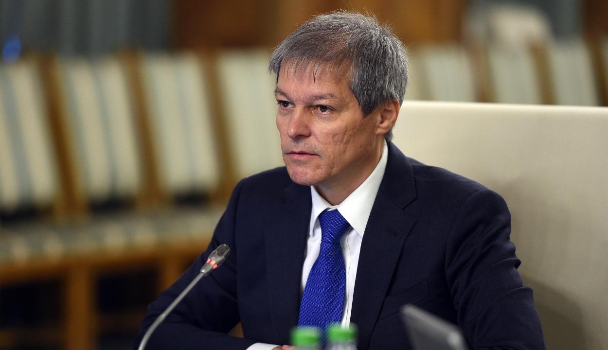 Cioloș szerint nem kellene törvénybe iktatni a gyulafehérvári nyilatkozatban foglaltakat